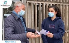 Floriane, 18 ans, a reçu sa carte électorale